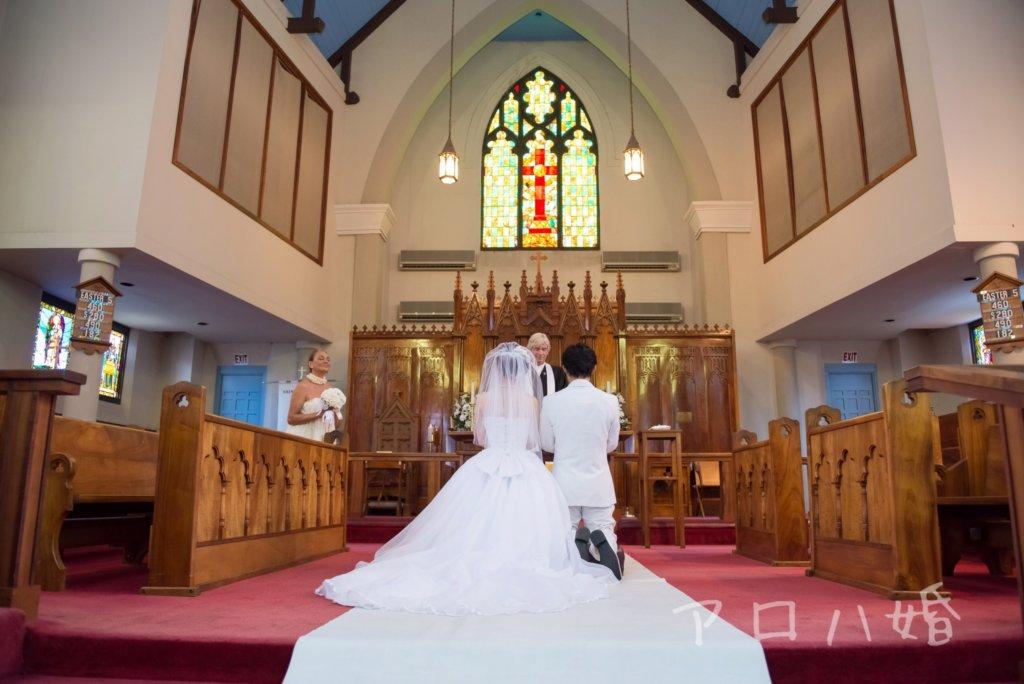 ハワイ結婚式は膝突きスタイル